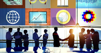 zakenmensen-deal-budget-grafiek-bedrijf-kantoor-planning